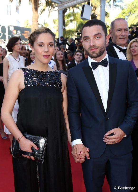 La jolie Alysson Paradis est enceinte et le future papa, Guillaume Gouix, a fièrement pris la pose aux côtés de sa douce.