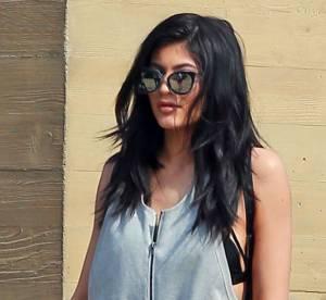 Kylie Jenner : nouveau projet photo, bombe sexuelle à la piscine