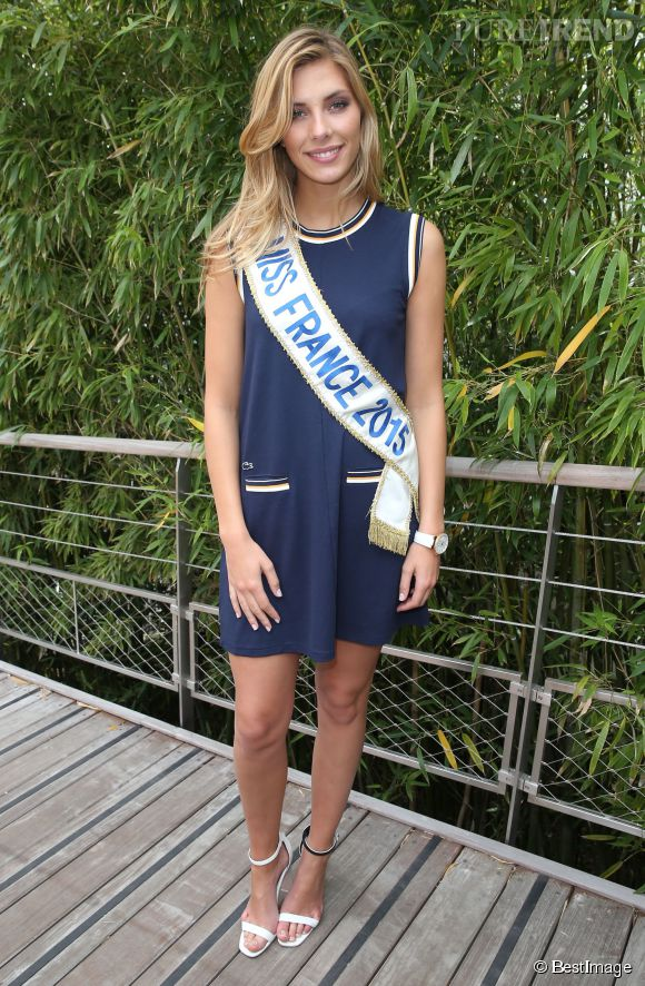Camille Cerf, aka Miss France 2015, et son look estival à Roland Garros.