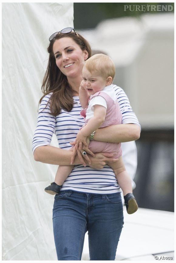 Kate Middleton et le prince George ont été aperçus au parc fin mai 2015.