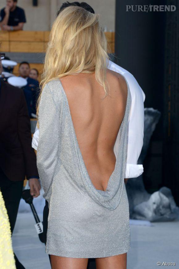 Sans culotte, Charlotte McKinney montre tout.