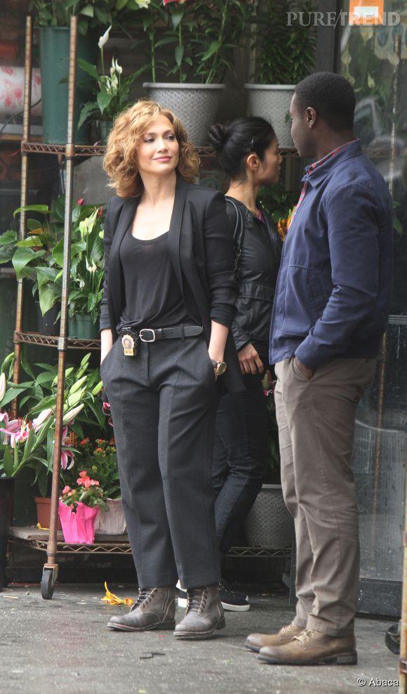 """Jennifer Lopez sur le tournage de la série """"Shades of Blue"""" à New York le 8 juin 2015."""
