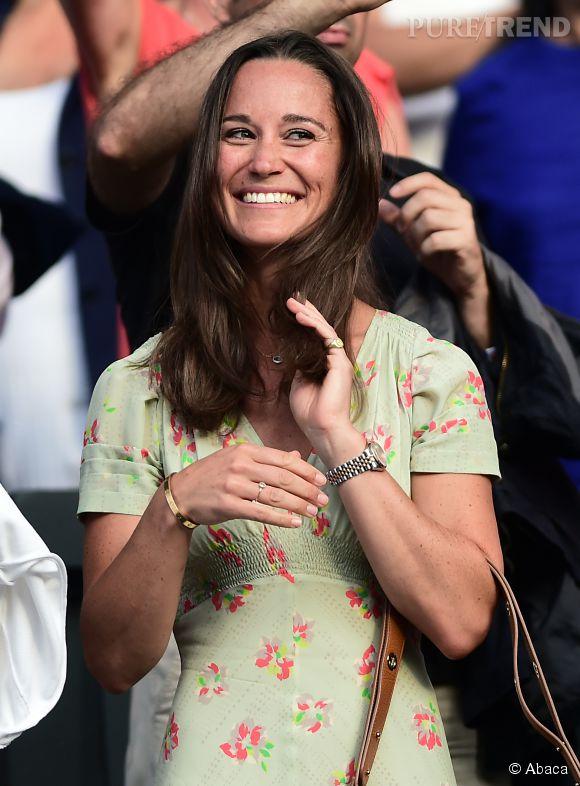 Pippa Middleton joue les timides.