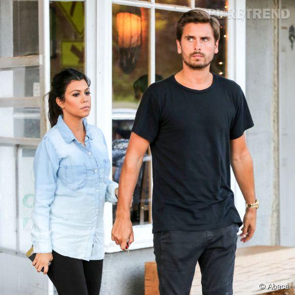 Scott Disick a été photographié avec une autre femme lors de son séjour à Monaco.