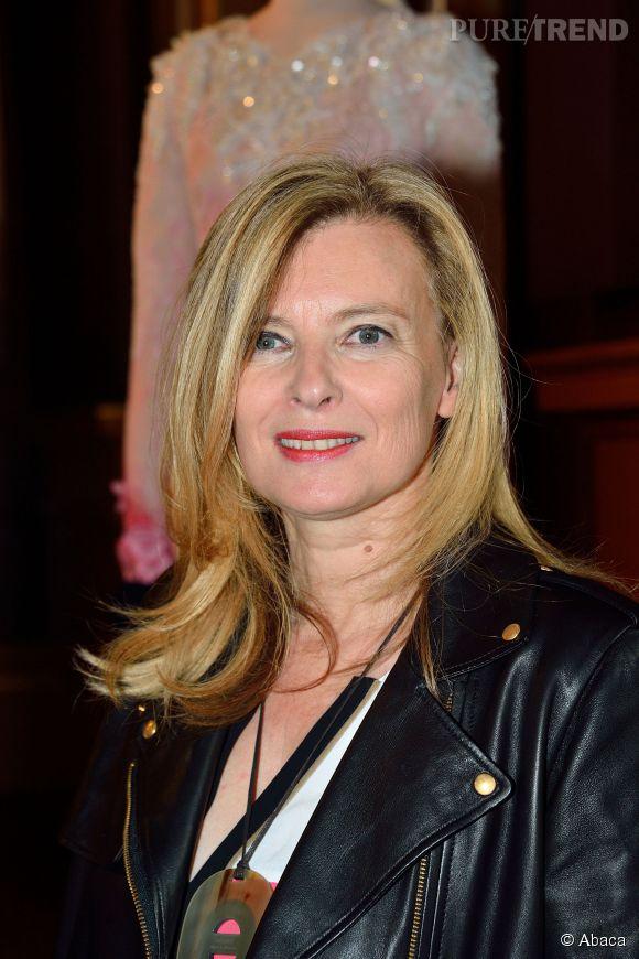 Valérie Trierweiler a opté pour un blond clair et une coupe plus courte.