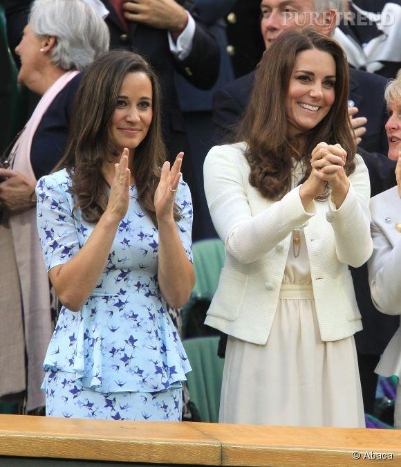 Kate Middleton, sage en robe crème et pippa moulée dans son ensemble bleu.