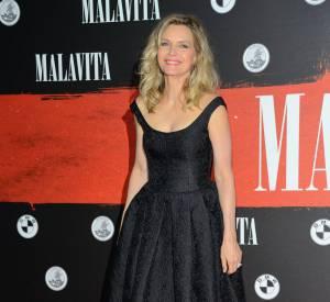 Au début de sa carrière, Michelle Pfeiffer a arrêté de se nourrir, préférant laisser le soleil lui apporter tout ce dont son corps avait besoin.