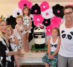 Tori Spelling a eu quatre enfant avec Dean Mcdermott : deux filles et deux garçons.