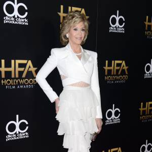 Jane Fonda en Balmain sur le red carpet des Hollywood Film Awards le 1er novembre 2015 à Los Angeles.