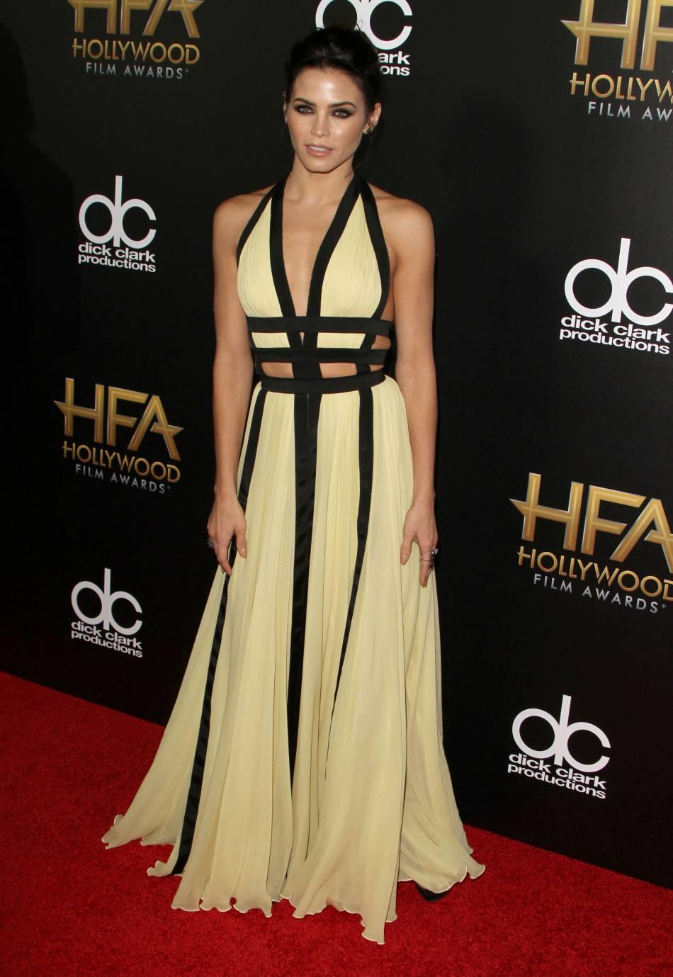 Jenna Dewan-Tatum dans une robe Zuhair Murad et bijoux Lorraine Schwartz sur le red carpet des Hollywood Film Awards le 1er novembre 2015 à Los Angeles.