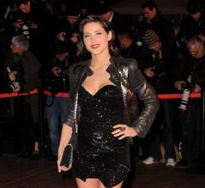 Elsa Pataky dévoile ses jambes fuselées en 2010.