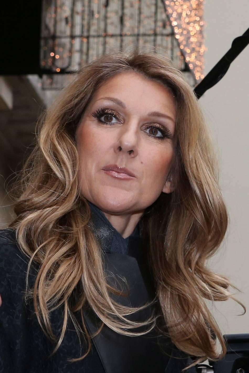 Céline Dion bouleversée, elle tient à rendre un dernier hommage à son défunt époux.