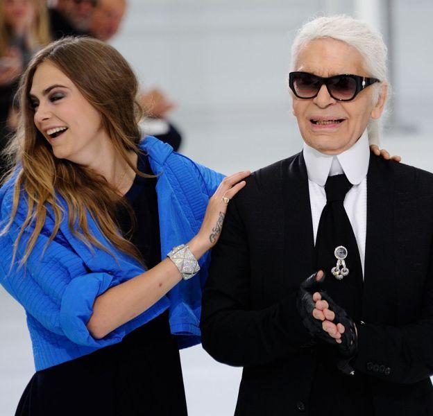 Cara Delevingne et Karl Lagerfeld, un duo mode inséparable.