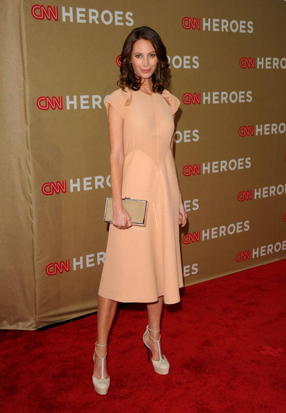 "A 47 ans, Christy Turlington confirme sa place de ""super top""."