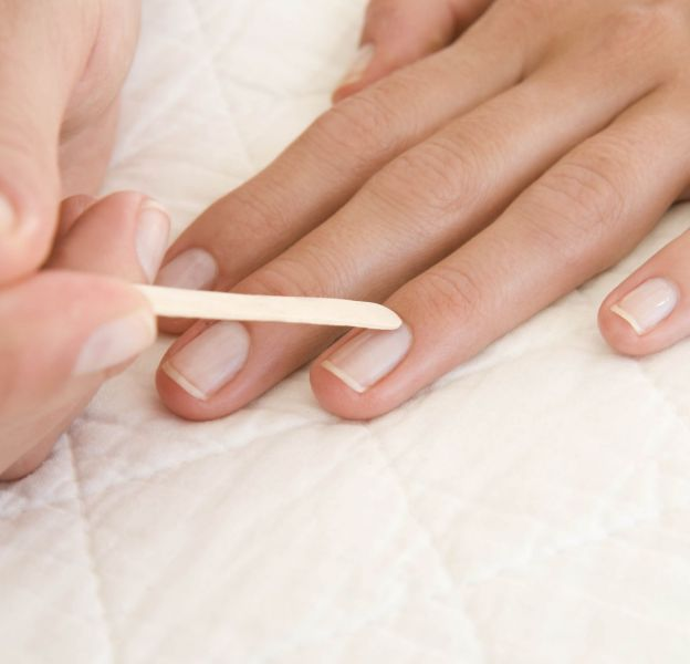 Il est important d'hydrater les ongles.