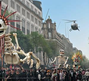 """La scène d'ouverture de """"Spectre"""" à Mexico est peut-être une des plus spectaculaires de la saga."""