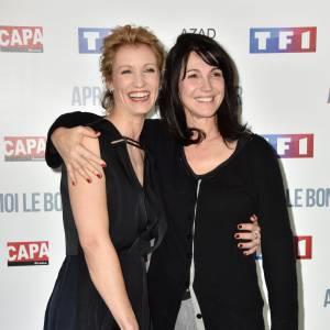 Alexandra Lamy a pris la pose avec l'équipe de son nouveau film, dont l'actrice et réalisatrice Zabou Breitman.