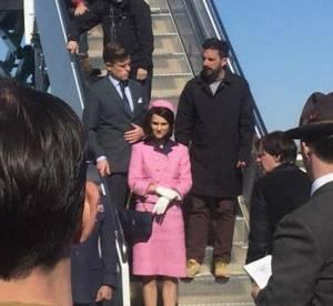 Natalie Portman dans le tailleur rose de Jackie Kennedy, troublante ressemblance