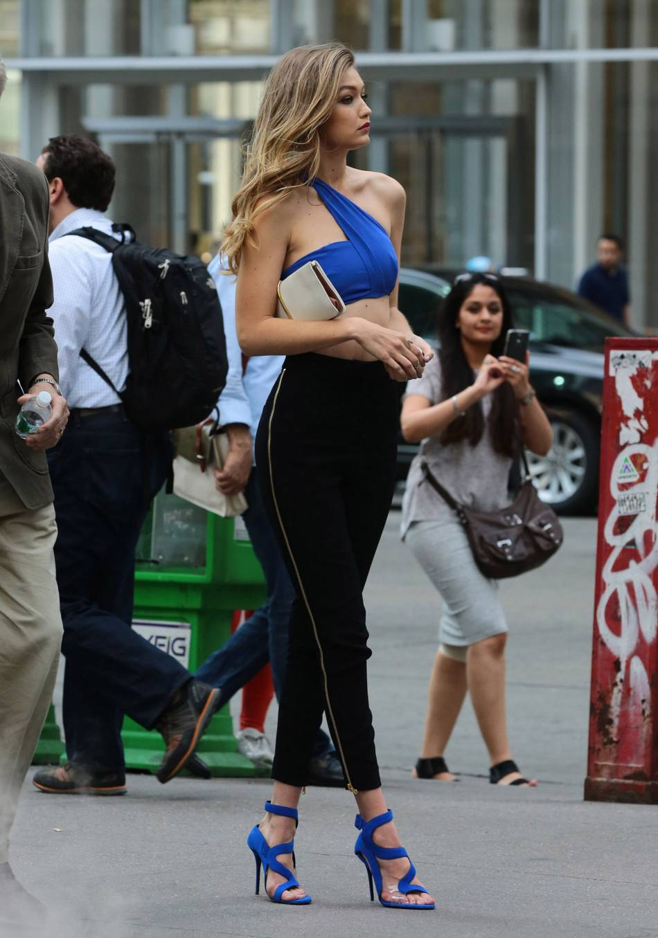 Gigi Hadid : silhouette de rêve et mensuration à tomber à la renverse.