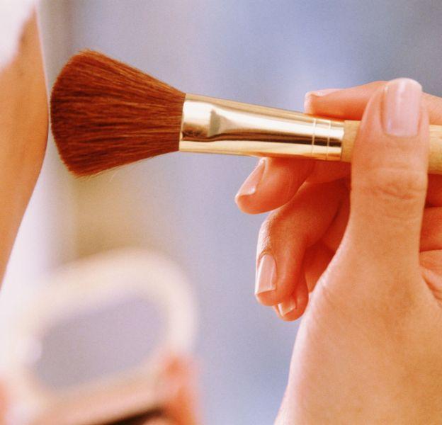 Le blush abricoté peut s'utiliser comme la terracotta.