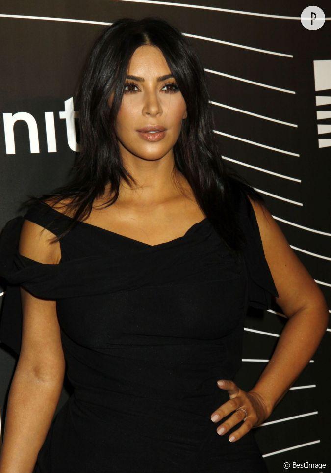kim kardashian arbore sa nouvelle coupe de cheveux