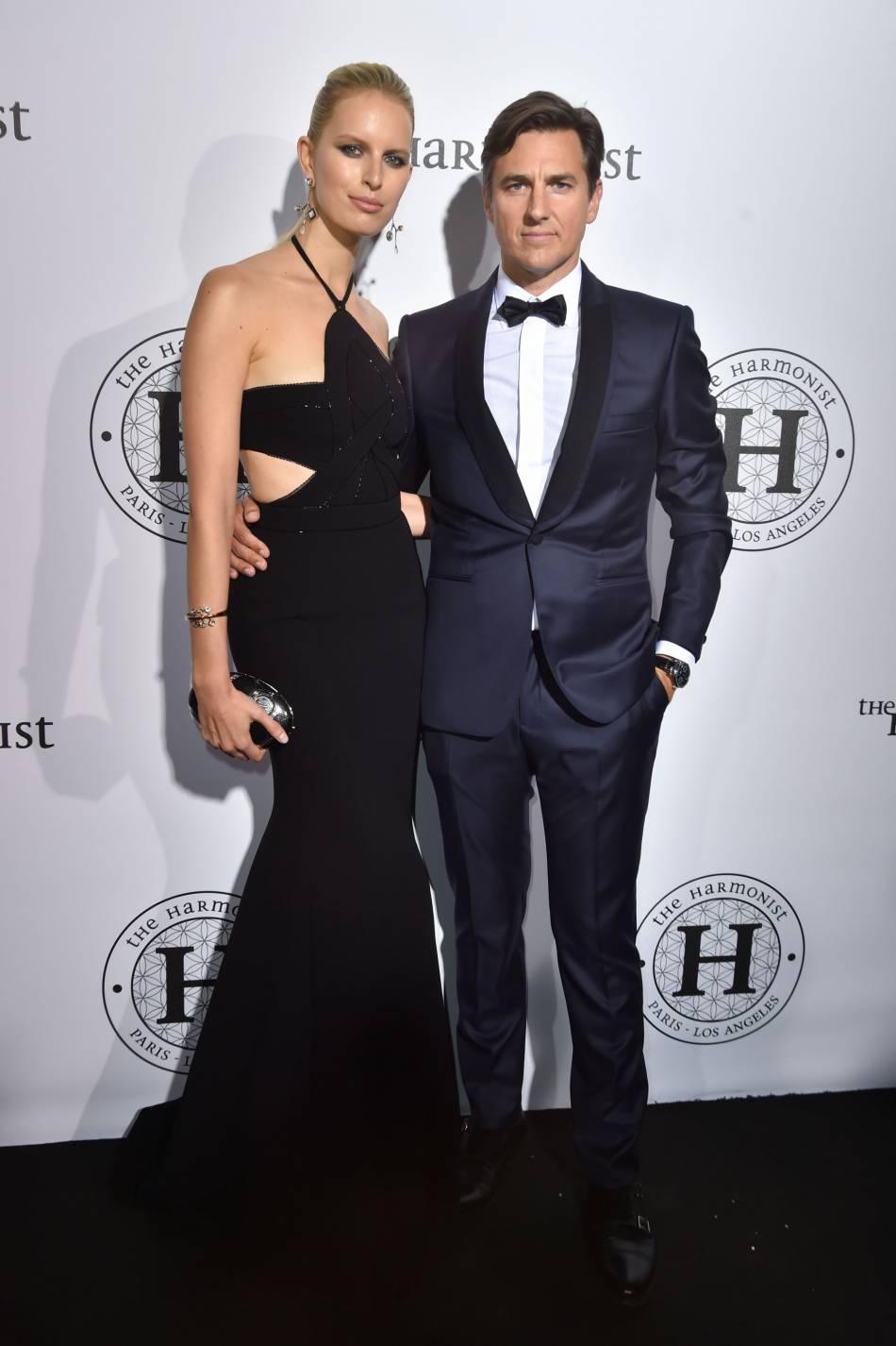 """Karolina Kurkova (parée par Atelier Swarovski) et son mari Archie Drury à la soirée """"The Harmonist"""", le 16 mai 2016."""