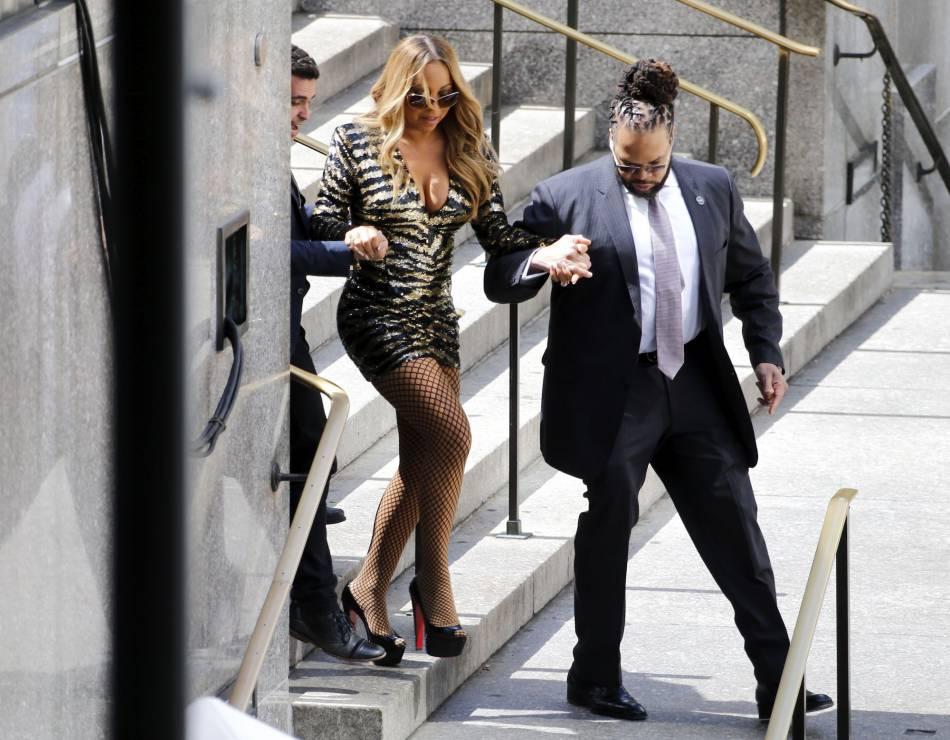 Mariah Carey ne quitte plus d'une semelle ses garde du corps, devenus de véritables tuteurs pour elle. Au sens littéral.