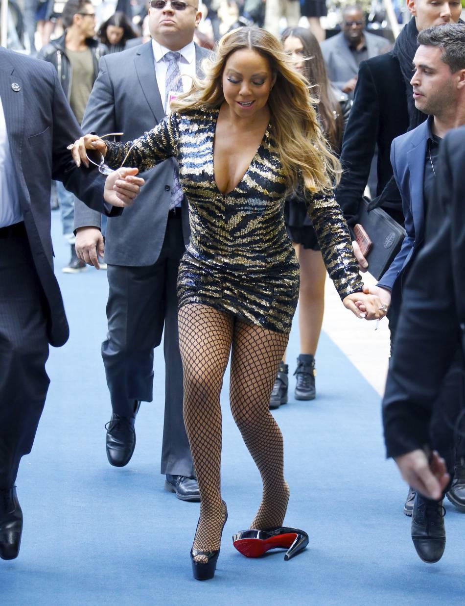 Mariah Carey a évité de peu une chute d'anthologie.