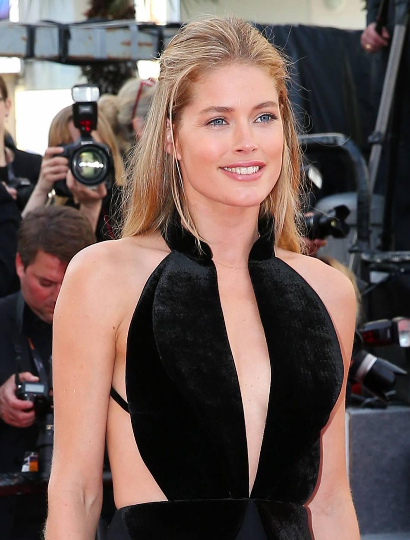 Doutzen Kroes, une mise en beauté naturelle pour son apparition au 69e Festival de Cannes.