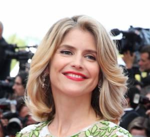 On aime la fraicheur du maquillage d'Alice Taglioni, ses lèvres carmin et son brushing souple très First Lady !