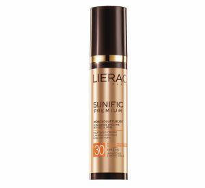 Chez Liérac, la gamme Sunific Premium comprend une crème à la fois anti-âge et protection solaire : la Crème Voluptueuse SPF 30.