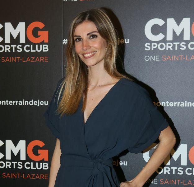 Alexandra Rosenfeld apparaît terriblement sensuelle en Corse.