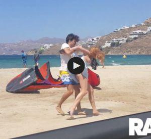 Lindsay Lohan se fait agresser par son ex-petit ami sur la plage à Mikonos, en Grèce.
