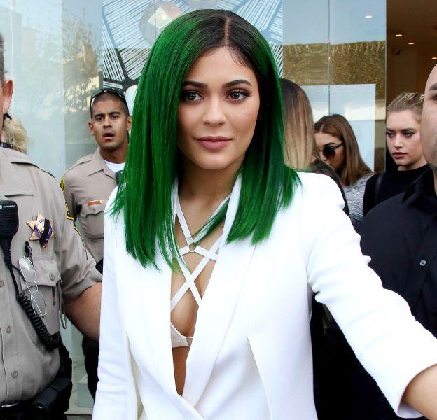 Kylie Jenner affiche une nouvelle couleur de cheveux sur Instagram.
