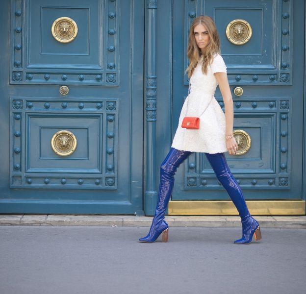 La cuissarde, la it shoes de l'été. Chiara Ferragni est fan.
