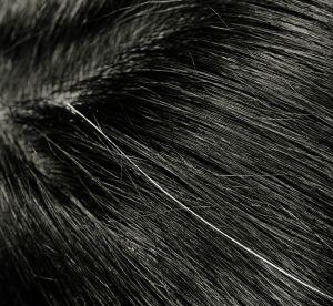 Cheveux blancs : comment les camoufler avec du mascara ?