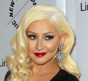 Christina Aguilera : la chanteuse dans la peau d'une Mère Noël très sexy