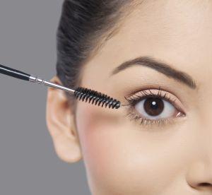 Le bon maquillage pour illuminer les yeux foncés