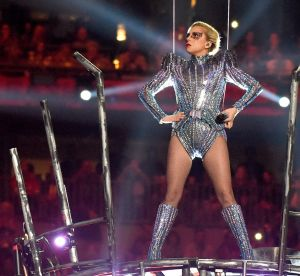 Super Bowl 2017 : la performance mode de Lady Gaga