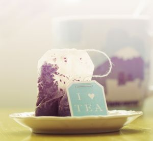 Insolite : comment réparer un ongle avec un simple sachet de thé