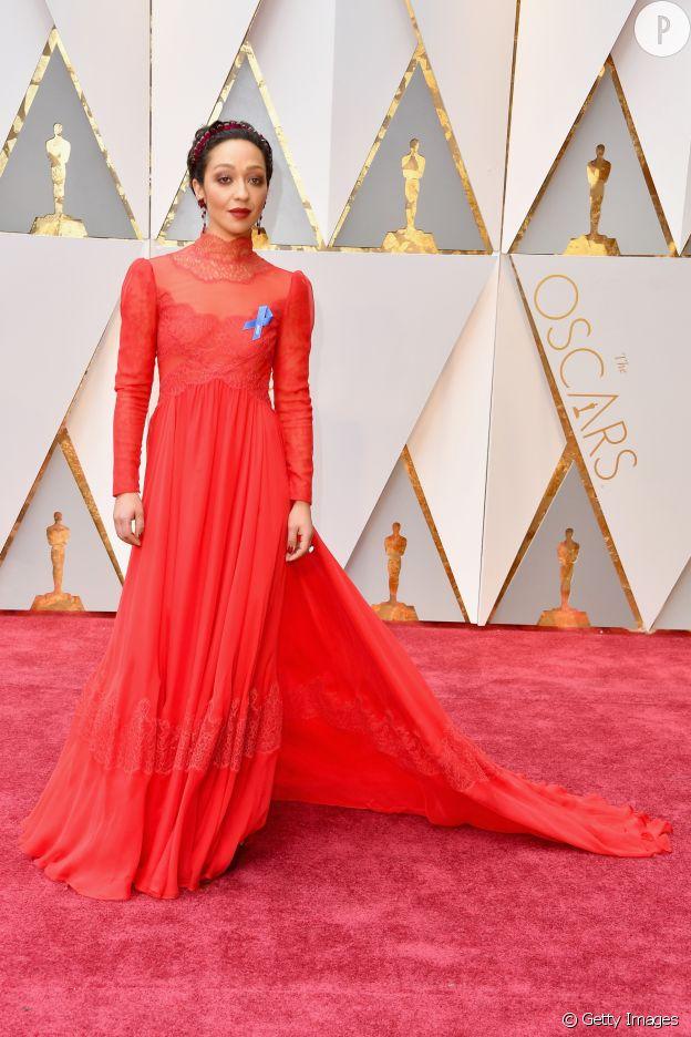 Ruth Negga en Valentino pour les Oscars 2017.