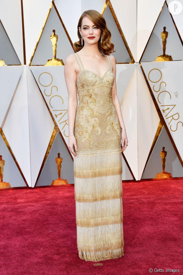 Cette robe Givenchy Haute Couture transforme Emma Stone en véritable bijou de mode.
