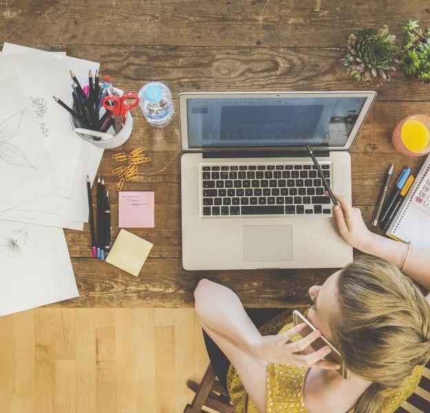 3 exercice à faire sur son siège de bureau pour muscler ses abdos.
