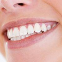 3 trucs efficaces pour blanchir les dents. Black Bedroom Furniture Sets. Home Design Ideas