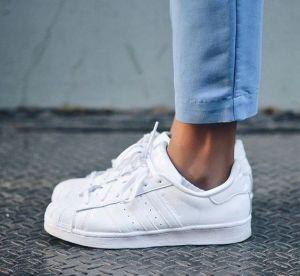 5 paires de sneakers blanches qui nous font craquer pour le printemps