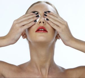 La recette maison des patchs anti-fatigue pour les yeux