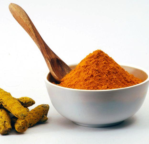 Le curcuma est un produit culinaire originaire des Indes.