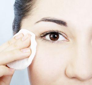 Démaquillage : les produits qui se transforment au contact de la peau