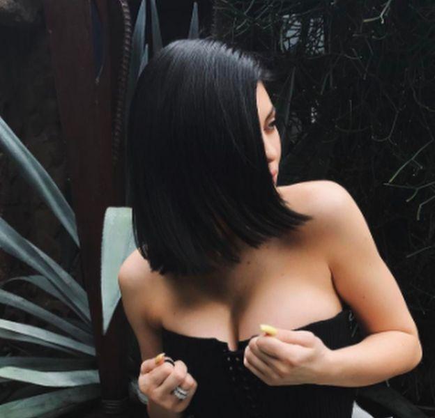 Kylie Jenner affiche une coupe carré sur Instagram.