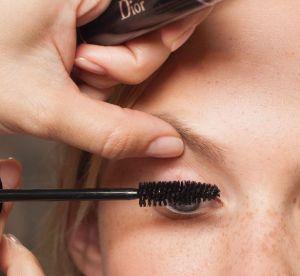 Mascara à fibres : la solution pour agrandir son regard avec style